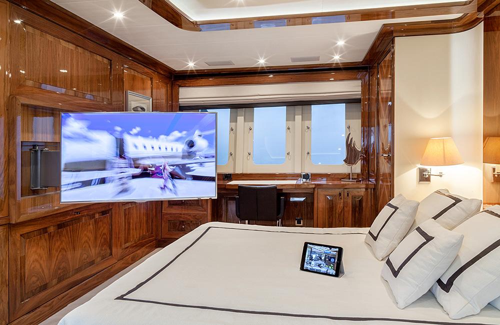 dragon-yacht_web_3_1000x650.jpg
