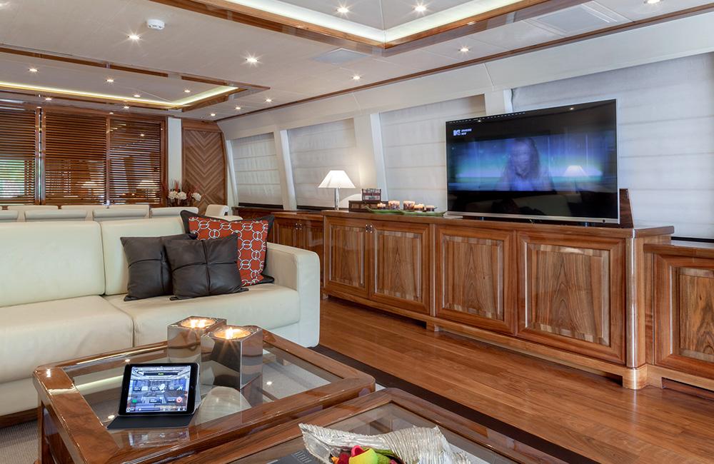 dragon-yacht_web_4_1000x650.jpg