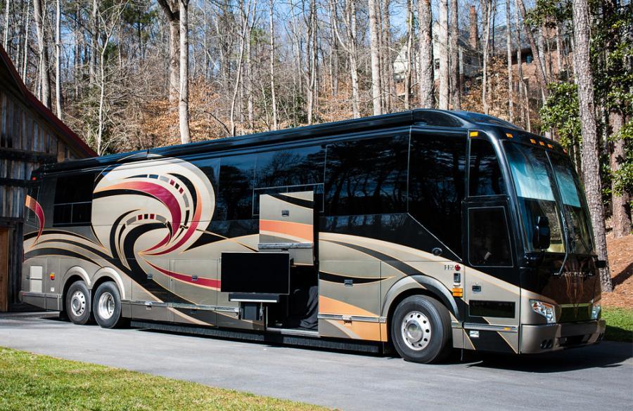 luxury-coach_1_web_1000x650.jpg
