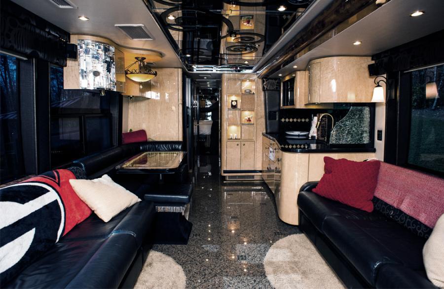 luxury-coach_3_web_1000x650.jpg