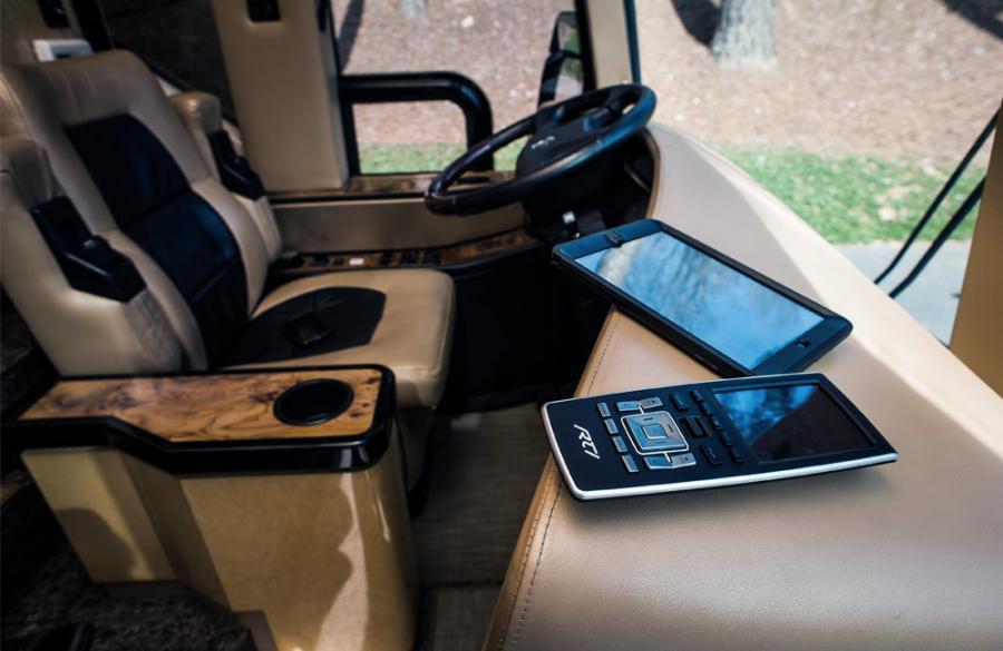 luxury-coach_5_web_1000x650.jpg