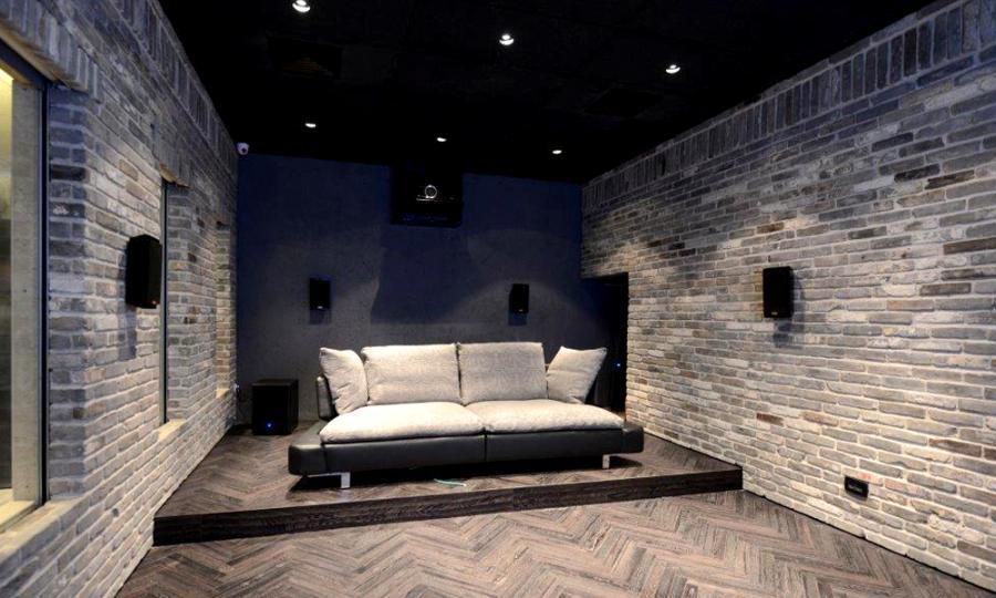 theater1_4.jpg